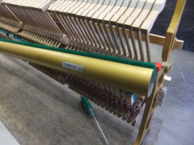 ピアノの調律と修理